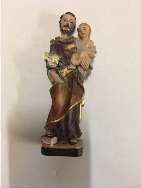 St. Jozef met Jezus op de arm. ca 10 cm hoog. Prijs € 10,00